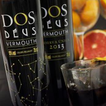 [:ca]Vermut Dos Déus: Disseny de marca, packaging i llençament de producte[:es]Vermut Dos Déus: Diseño de marca, packaging y lanzamiento de producto[:]