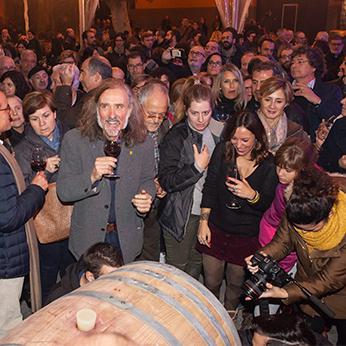 [:ca]Més de 700 persones celebren l'arribada del Vi Novell al Celler Masroig[:es]Más de 700 personas celebran la llegada del Vino Joven del Celler Masroig[:]