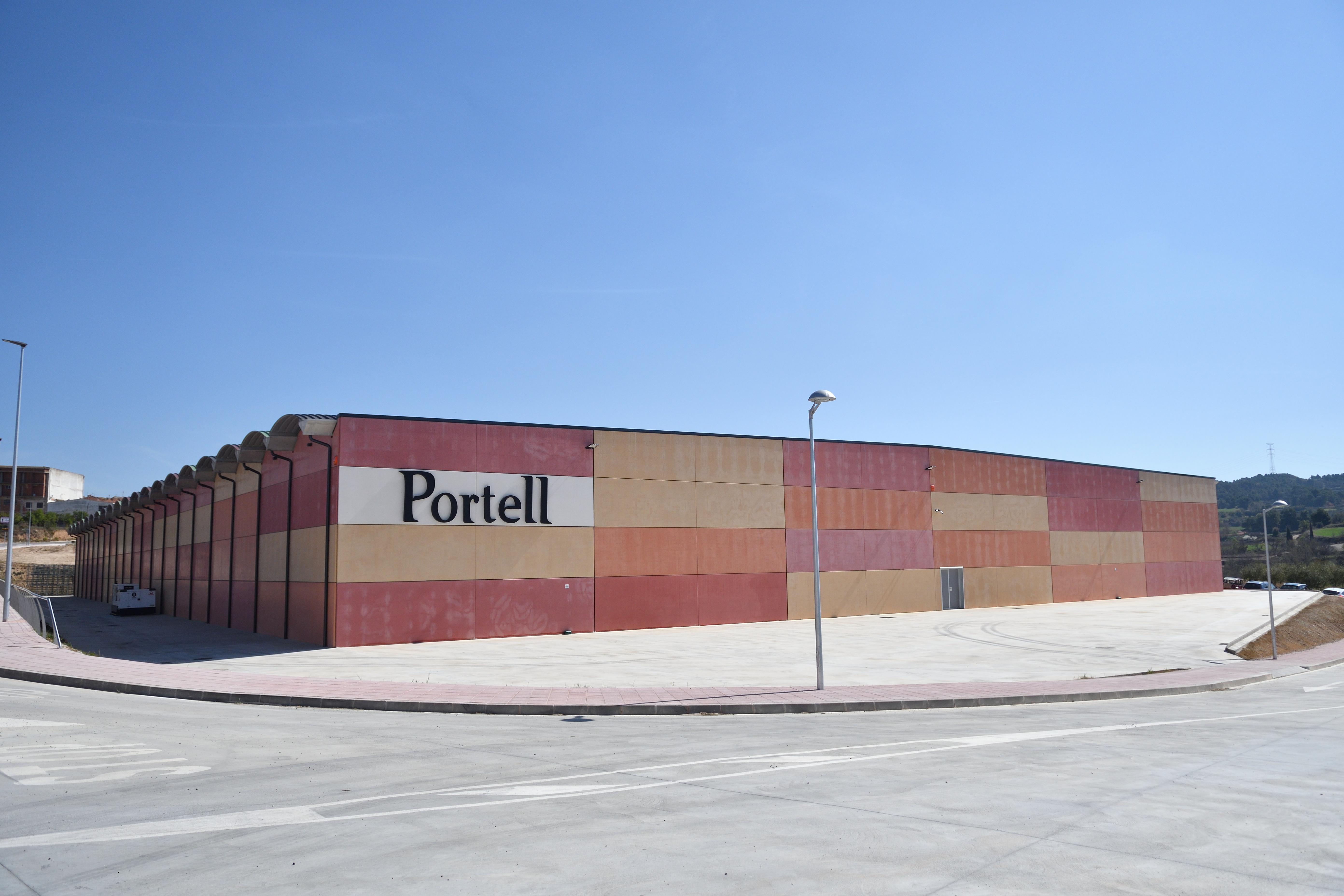 Inauguració del nou edifici per a l'elaboració de cava Portell de la Vinícola de Sarral