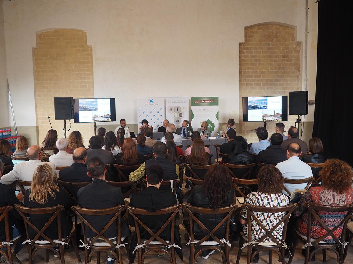 Los ponentes de la jornada técnica de la DO Terra Alta dedicada al enoturismo señalan como prioritaria la necesidad de trabajar de forma conjunta con las empresas de turismo del territorio